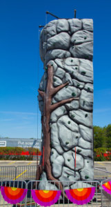 25-foot-mobile-rock-wall